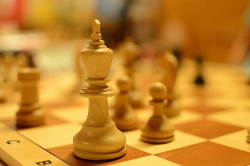 2700 chess king