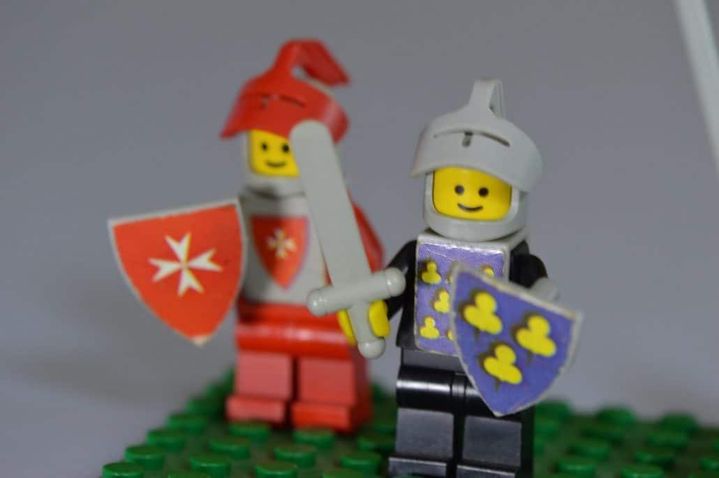 knight lego chess set