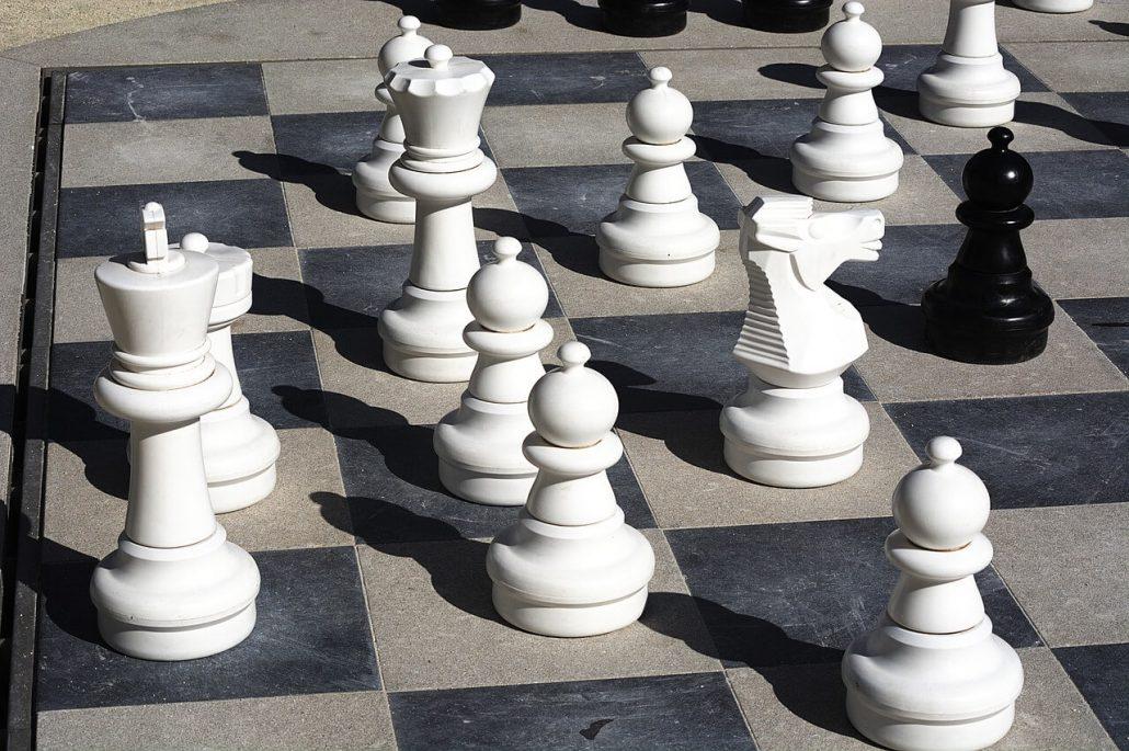 strategy chess knight