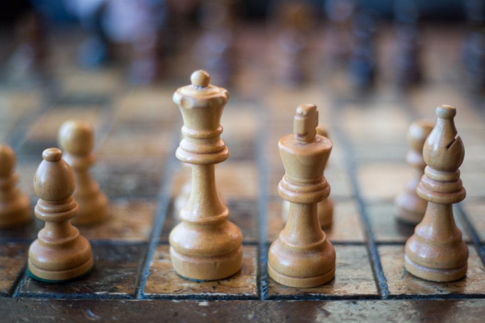 chess.com tactic pieces