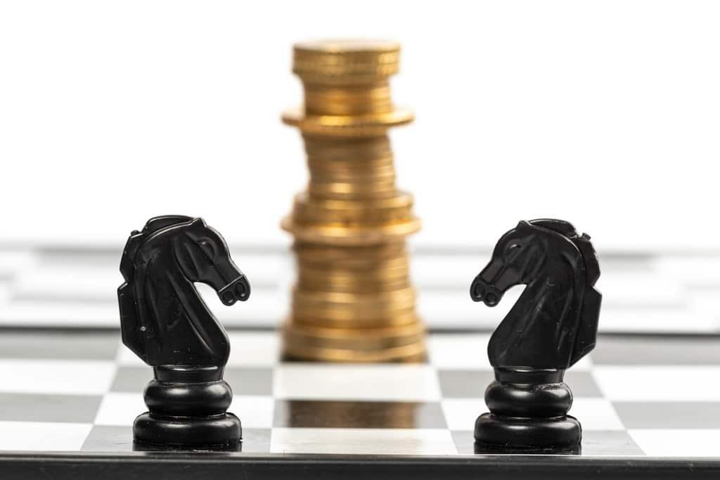 earn money playing chess knight