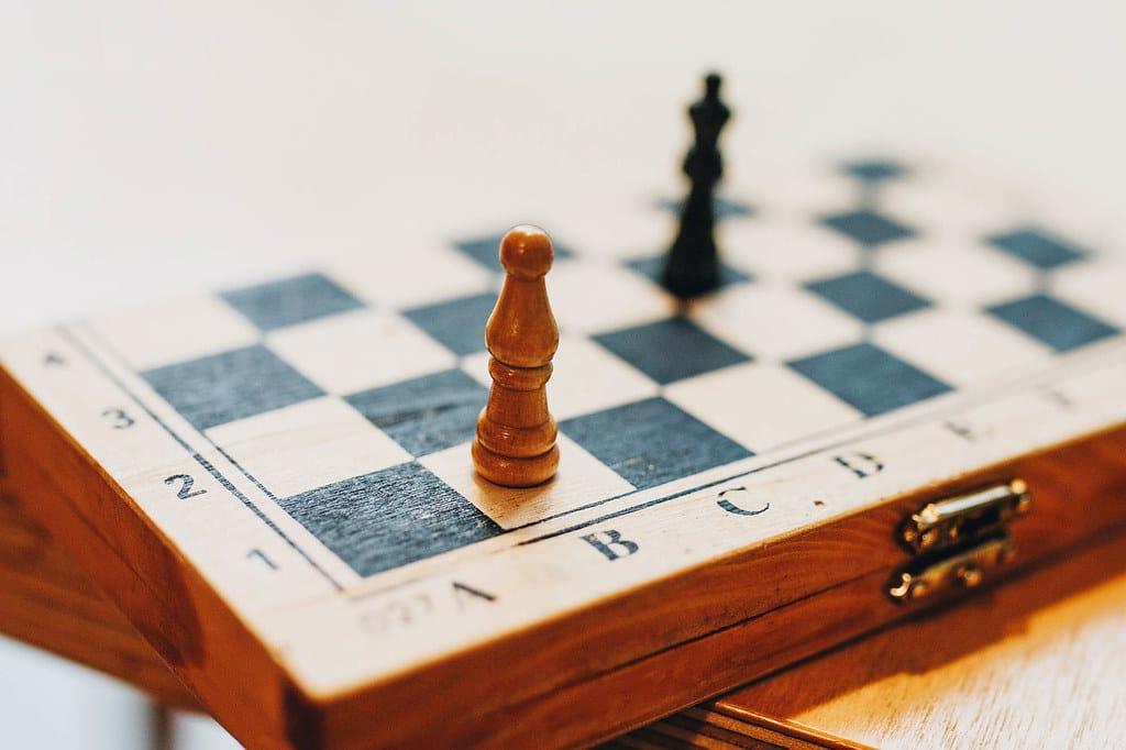 is lichess better than chess com king