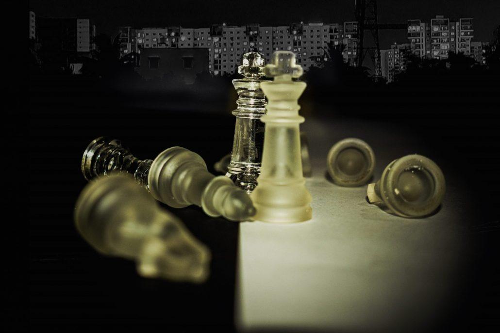 train chess online