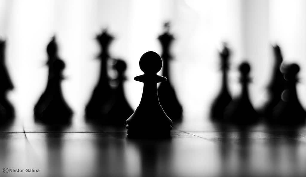 chess yugoslav attack pawn
