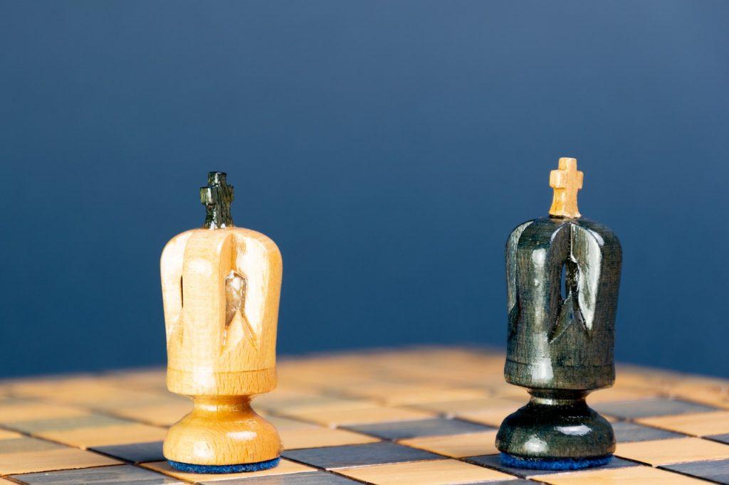 wayward-queen-attack-chess